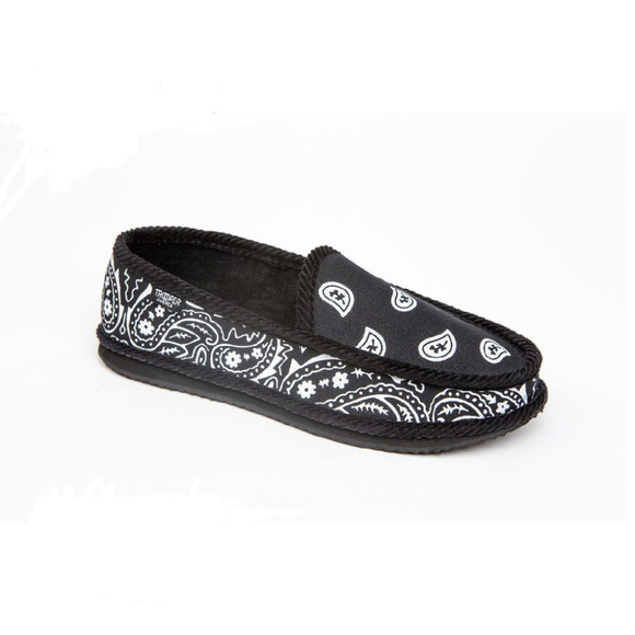 ae1550b49fb3 Trooper America Men s Bandana Print Slipper Shoe